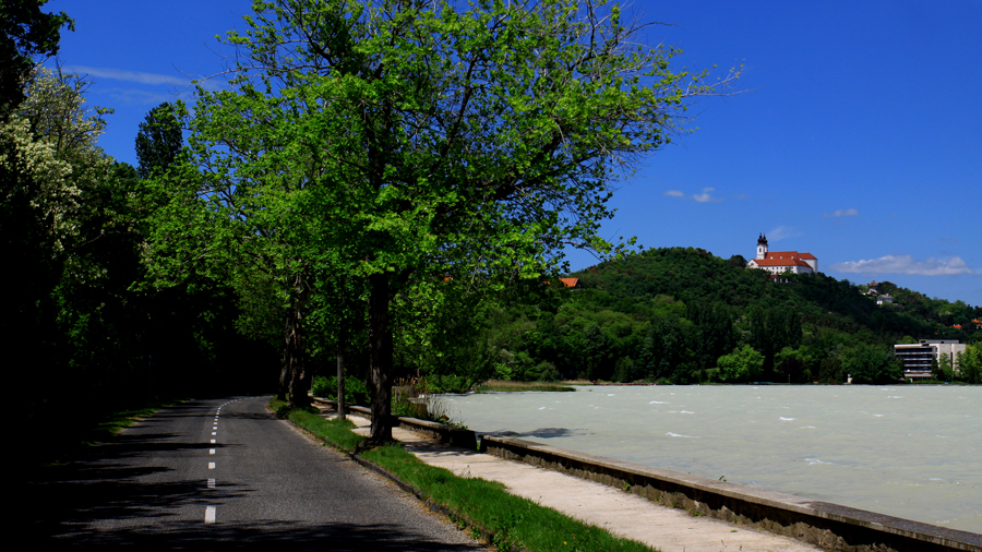 Lakeside film service in Hungary