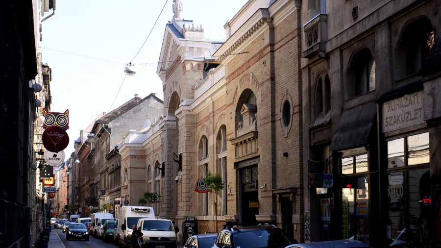 Narrow streets for shooting in Budapest