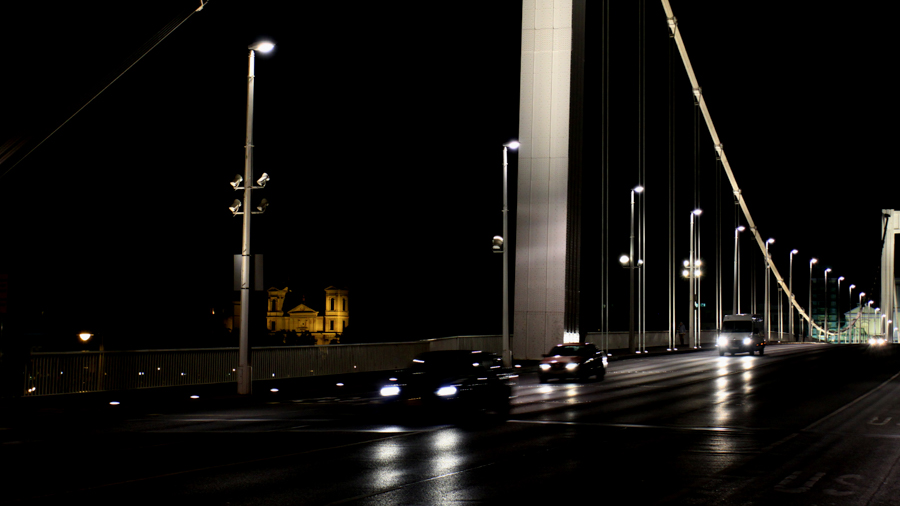 Bridge architecture for photo production in Budapest